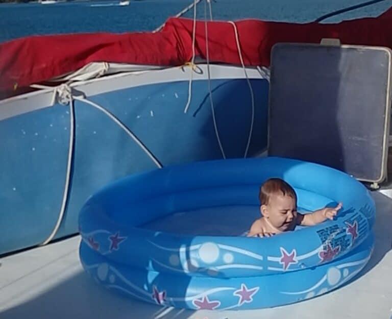 Piscine pour bébé à bord