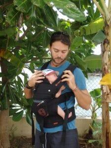 Porte bébé avec Antonin