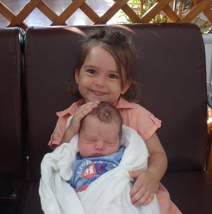 Elyanne à la naissance de Nayel à l'hopitale Taone