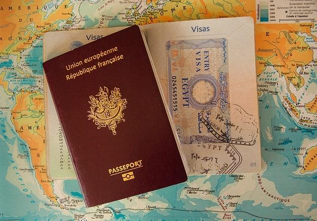 Vérifier passeport et Visa pour voyager en voilier.