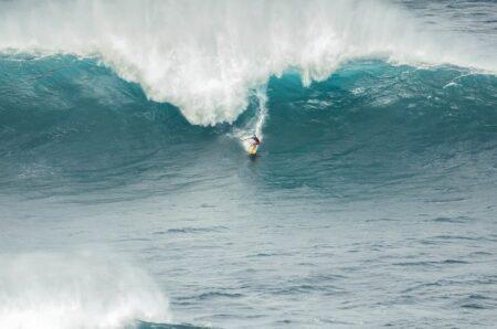 Du surf et des vagues grandioses !