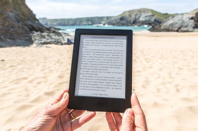 La liseuse : une bibliothèque complète en voyage