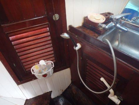 Aménager la salle de bain enfants sur un bateau